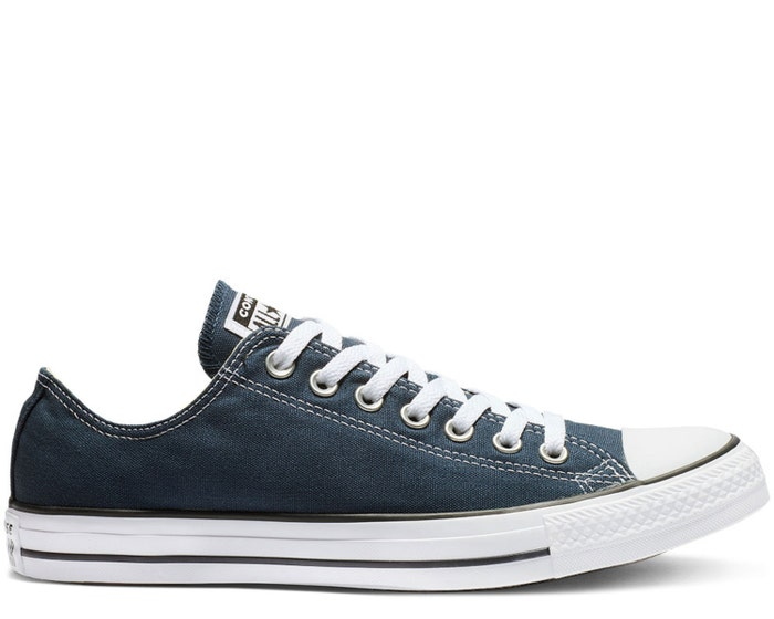 Chuck Taylor All Star Classic Canvas Low Top - Unisex
